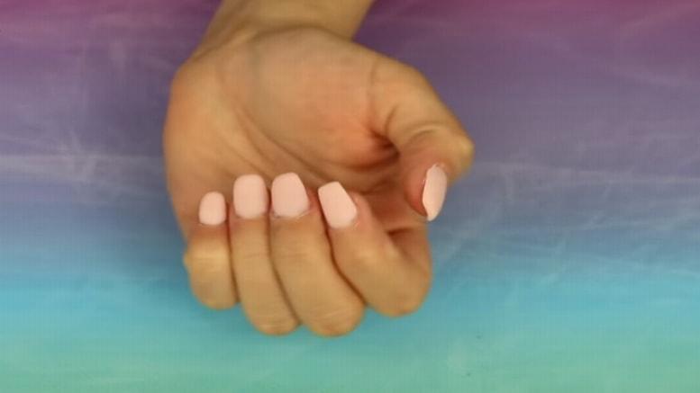 Verse bien es un tema que ocupa a muchas personas y parte importante de una apariencia estética agradable son una manos bien cuidadas; para ello, muchas mujeres acuden a la aplicación de uñas de gel, una práctica que día a día cobra más popularidad.