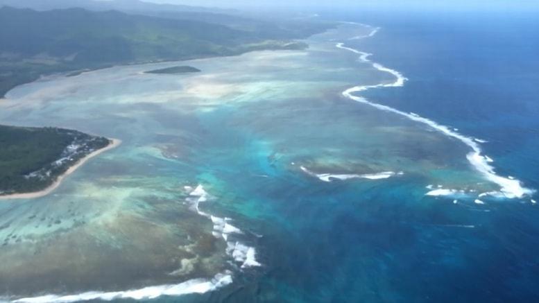 Isla Mauricio es uno de los mejores destinos para los amantes de la playa y el sol; pues cuenta con una extensa área de mar, que besa las hermosas costas de la región. Gracias a su belleza exótica, es uno de los destinos más populares para pasar unos días de luna de miel, en un ambiente que incita al romance.