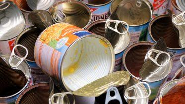 Cómo abrir una lata sin abrelatas