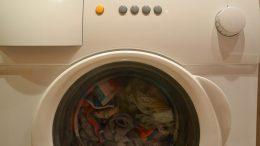 Cómo quitar el mal olor de la lavadora